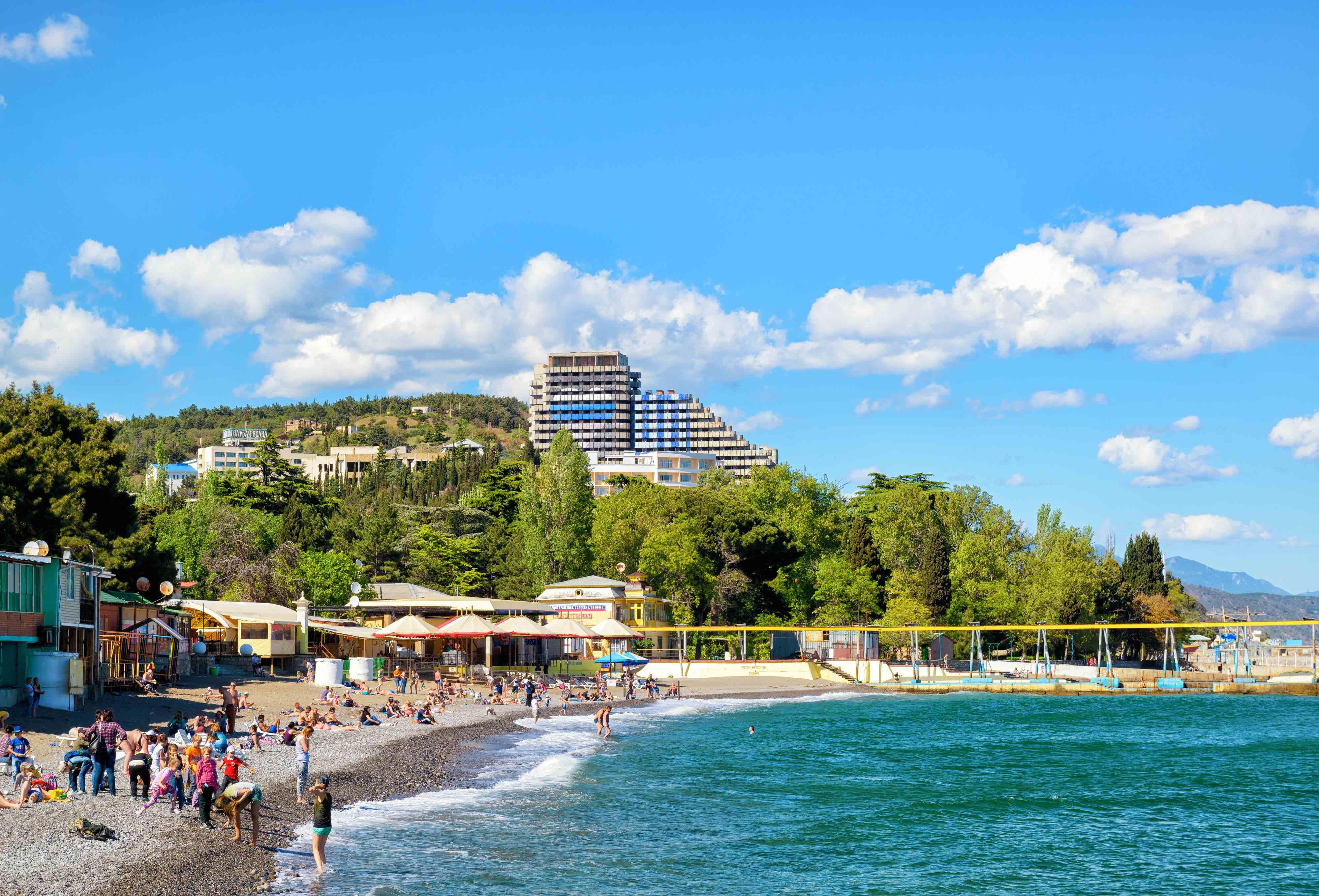 Фото городского пляжа в алуште
